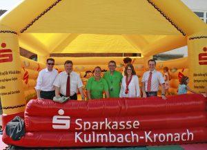 FFF-2016-Hüpfburg-Übergabe